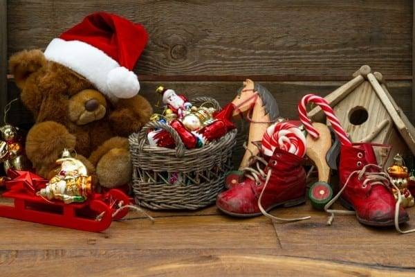 christmas_toys_2013-wallpaper-800x600