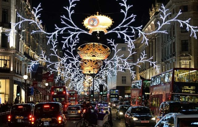epa03970663 Christmas lights on Regent Street in London, Britain, 29 November 2013. EPA/ANDY RAIN ** Usable by LA, CT and MoD ONLY **